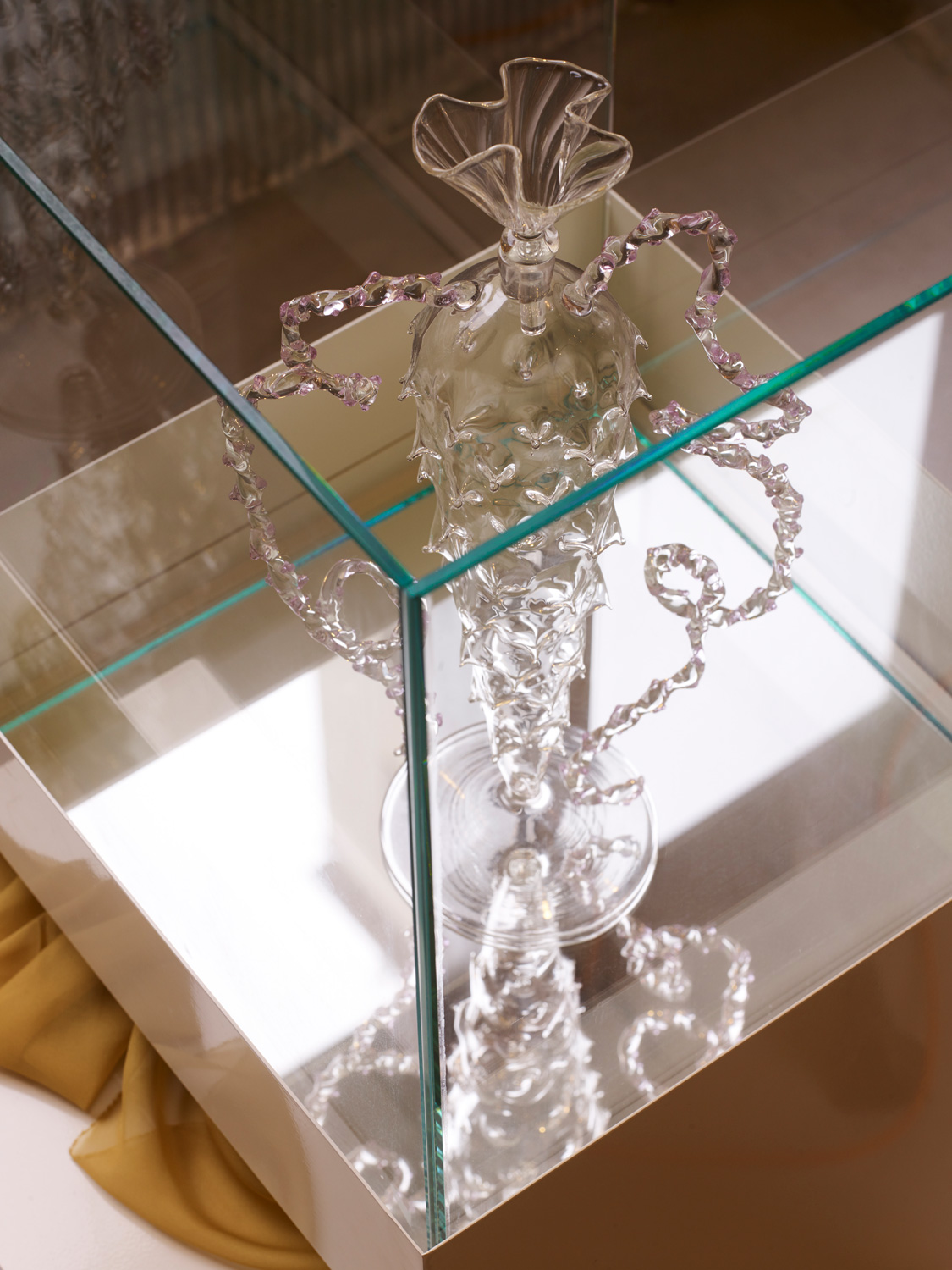 say hi to Valentina Cameranesi collectable object Panorama collection vase and set design Italy