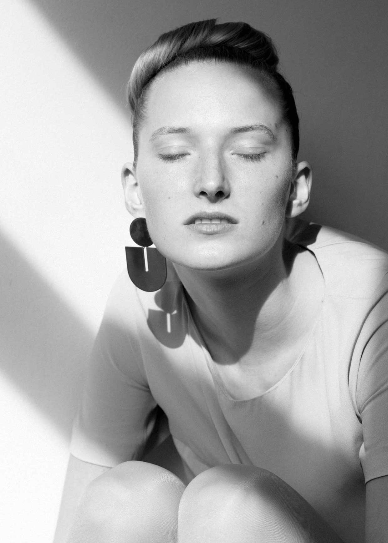 say hi to_ Amelie Riech from Uncommon Matters and the earing from the Chroma Stream collection