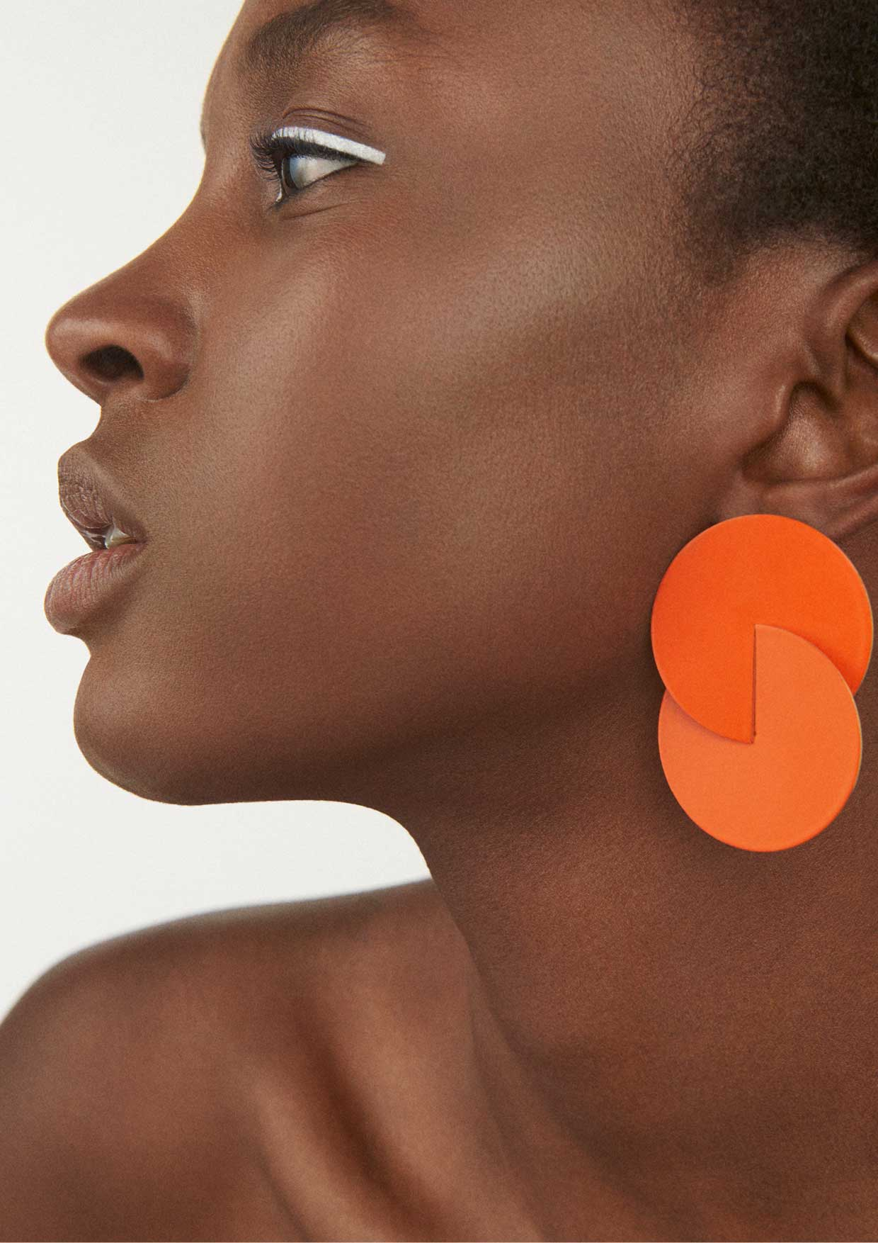 say hi to_ Amelie Riech from Uncommon Matters and the earring from the Bold Rythm collection 2.jpg