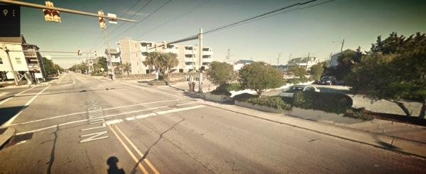 The scene of the crash near Johnny Mercer's pier. Look! The light's even yellow.