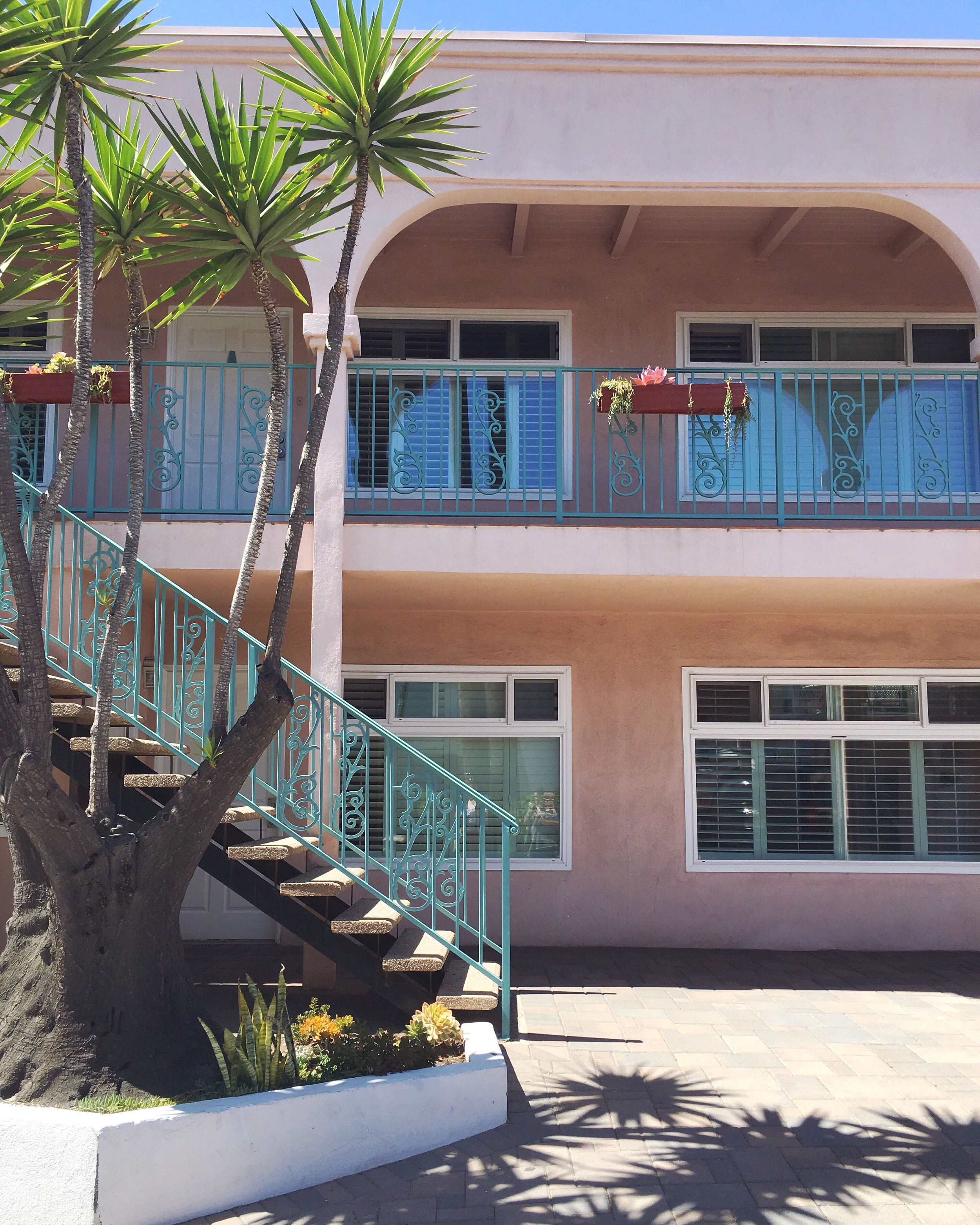 This was the cutest motel ever. I want to stay here!