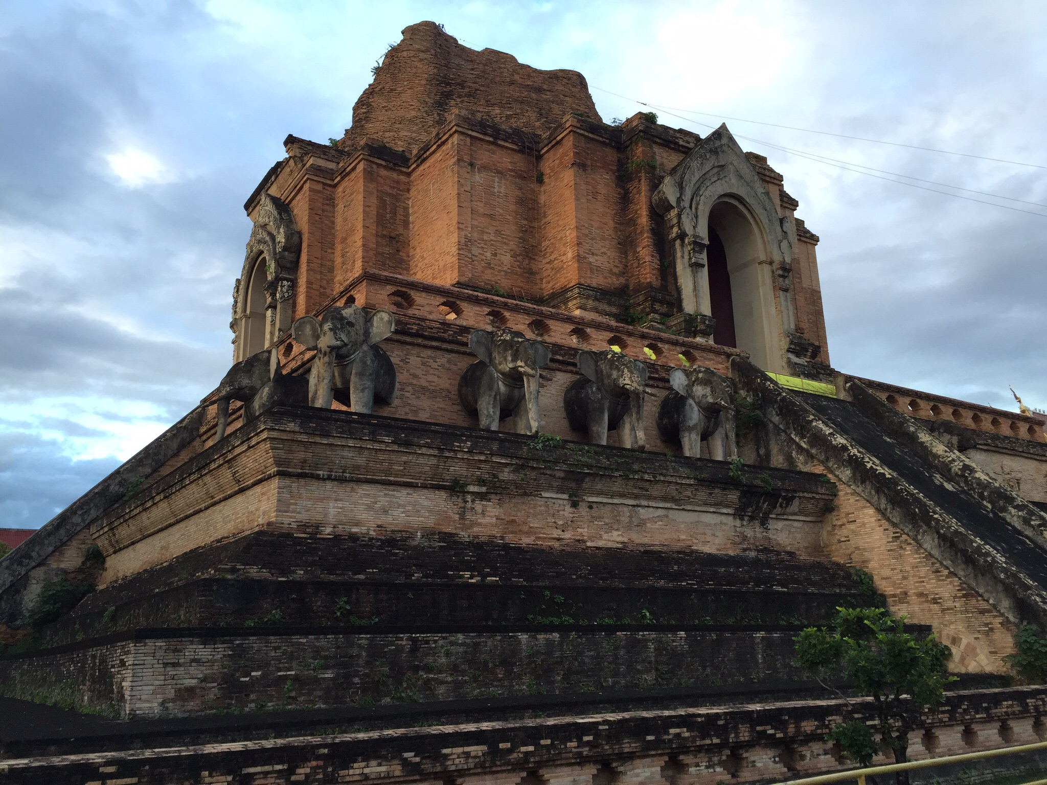 Wat Chedi Luang in Old City Chaing Mai