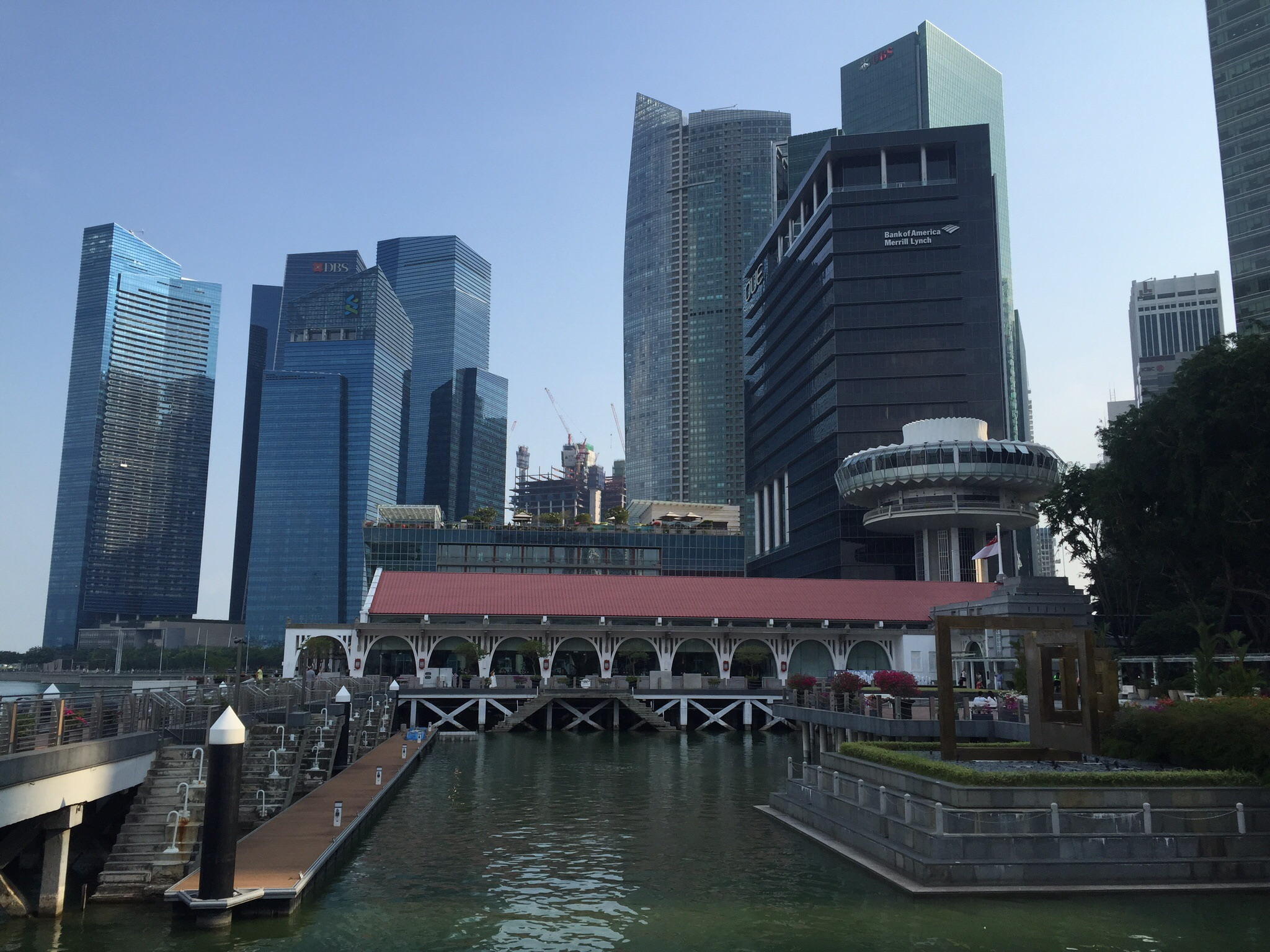 Singapore Hotel in the foreground and Financial District in the background.