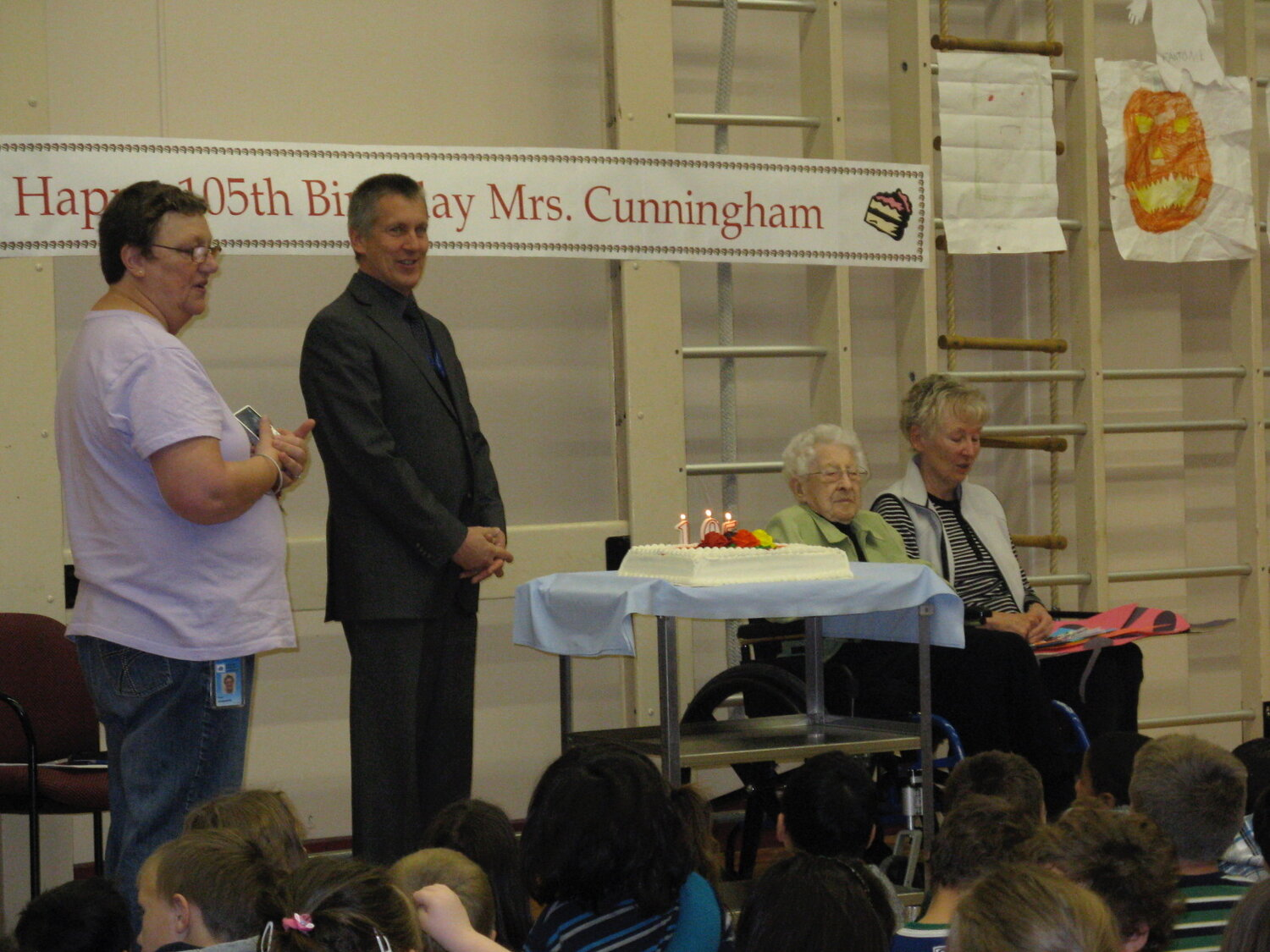 Mrs Cunningham_s 105th Birthday at Buchanan - a.jpg