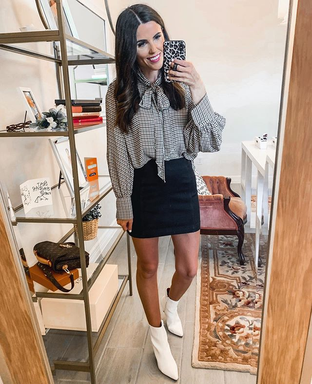 The 70's called and they want their outfit back🕺🏻#jokesmydadwouldsay This outfit & lots more on stories, all from Target! This skirt is a $17 Free People dupe & so good (size up one). Hope you had the best weekend! http://liketk.it/2ELyZ #liketkit @liketoknow.it #target #targethaul #fallstyle #sundaystyle