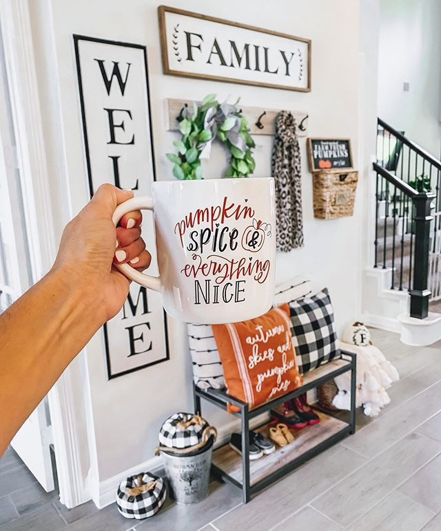 Pumpkin Spice up your life🎃☕️ I realized earlier I really only show y'all our home from September-December...it's just so much more fun around the holidays. Sharing some of my favorite fall (affordable) decor on stories later today!🍂 http://liketk.it/2EHJ1 #liketkit @liketoknow.it #LTKhome #falldecor #homegoods #farmhouse #homesweethome
