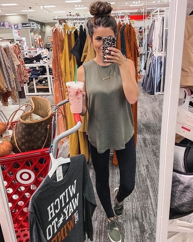 💕$1,000 TARGET OR PAYPAL CASH GIVEAWAY💕 📣I've teamed up with some amazing bloggers to gift one of you $1,000 to Target!! Or PayPal CASH!! 😱😱 . . Here's how to enter: 1️⃣ Follow me @brittfullwood  2️⃣ Like this photo & comment your favorite department at target!  3️⃣ Head to @thegivingfriends and follow the instructions in their bio! . . 💕Giveaway closes 9/14 at 7pm est . Must be following all accounts to qualify. This is not sponsored, endorsed or affiliated with Instagram, Target, or PayPal! Winner will be announced 9/18 on @thegivingfriends 💕Open to US & Canada only to anyone 18 years of age or older. Winner must have a public account. By entering, you agree to the giveaway rules, IG's terms of service & release IG of responsibility! • #thegivingfriendstarget3 #targetstyle #targetfashion #targetdoesitagain #targetlife #falloutfits #autumnstyle #targetshopping #homeorganization #targetdoesitagain #hearthandhand #diyhomedecor
