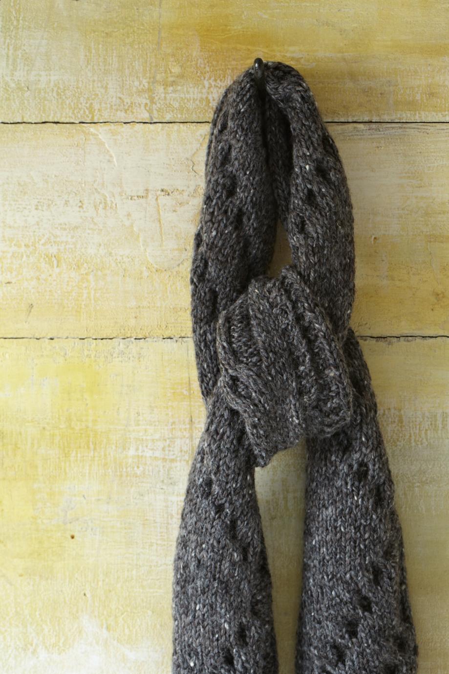 140a_TwistCableScarf_002.jpg