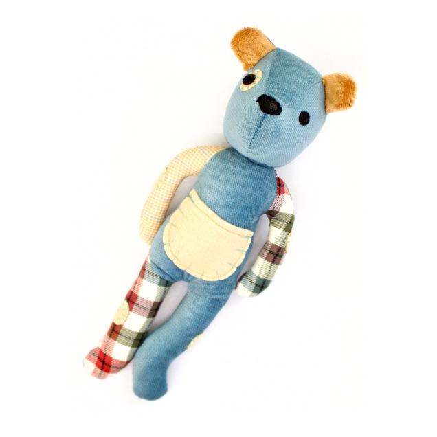 Threadies-blue-teddy-bear-one-donated-to-child-refugee.jpg