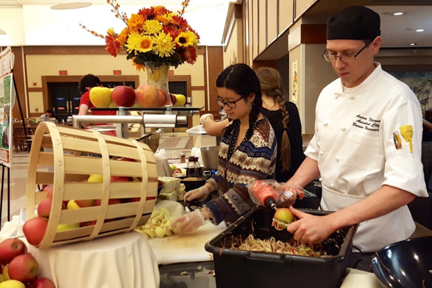 FRN@Brown students partnered with Brown University Dining Services to serve 200 pounds of recovered apples to students.