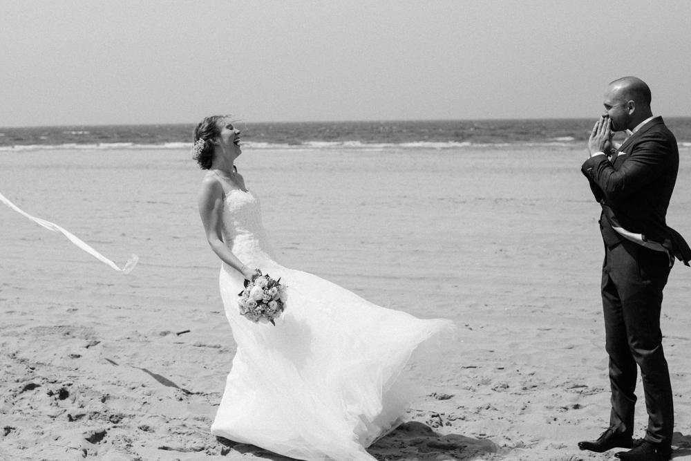 Kiesendahl_Hochzeitsfotografie_Strand_Scheveningen_042.jpg