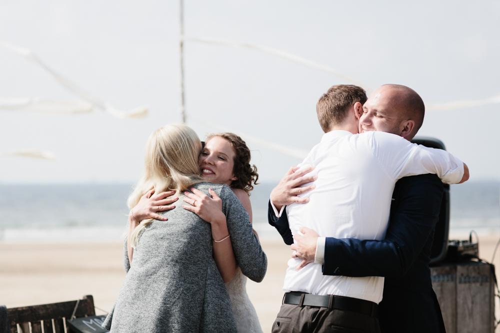 Kiesendahl_Hochzeitsfotografie_Strand_Scheveningen_103.jpg