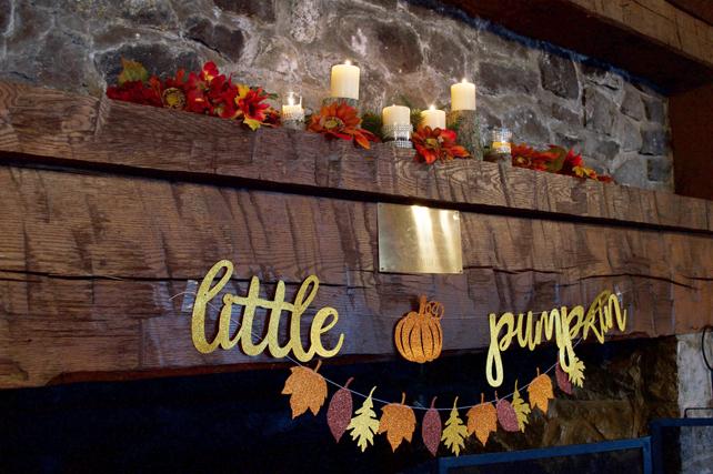 little-pumpkin-mantle.jpg