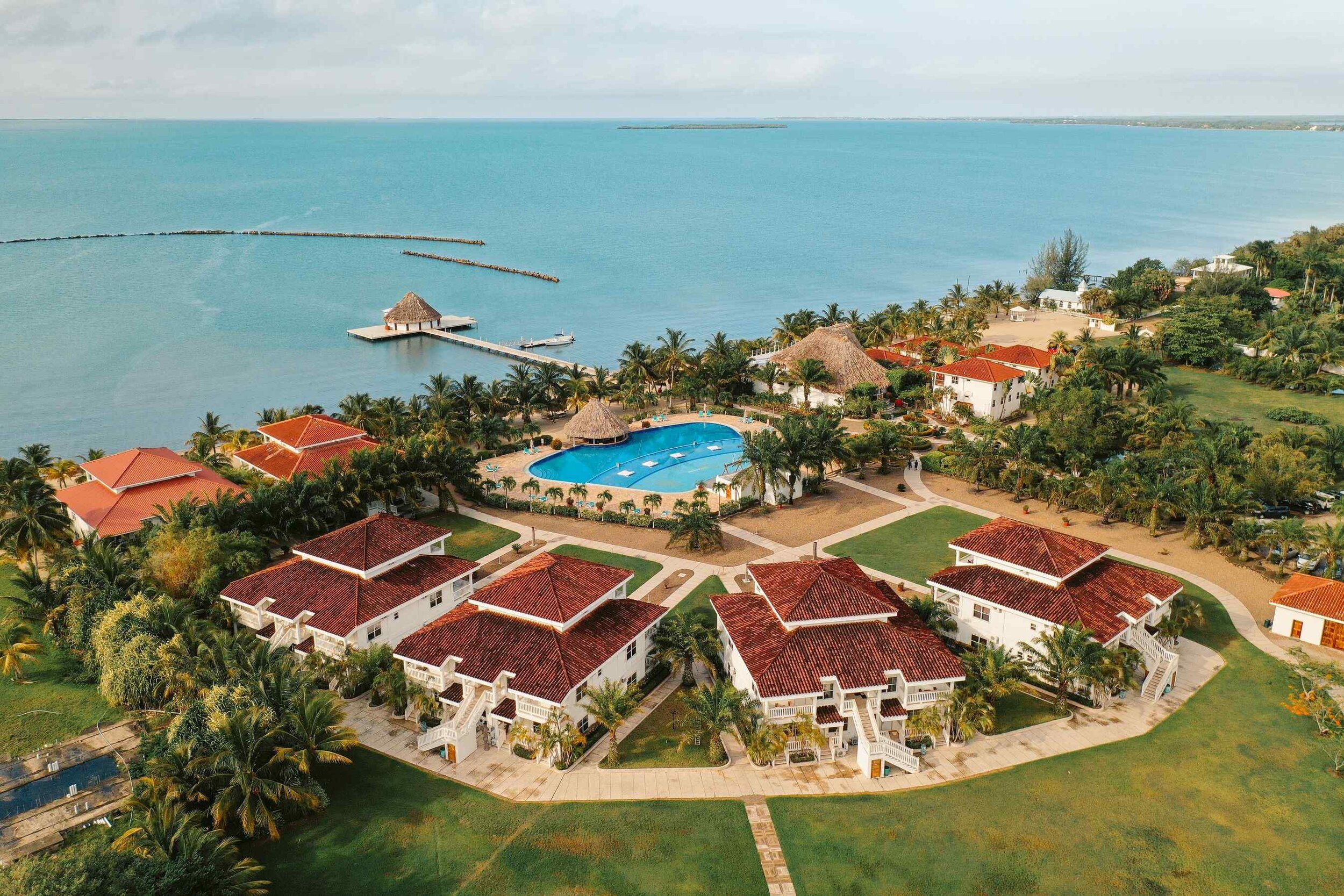 ACCOMMODATIONS   The Placencia Resort truly offers accommodations for everyone. From a simple hotel room to an entire villa with kitchen and living space, we have what you need to feel at home in Belize.   Learn More    Virtual Tours