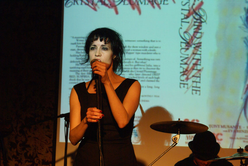 Coralina Cataldi-Tassoni performing with with Orco Muto  (8).jpg