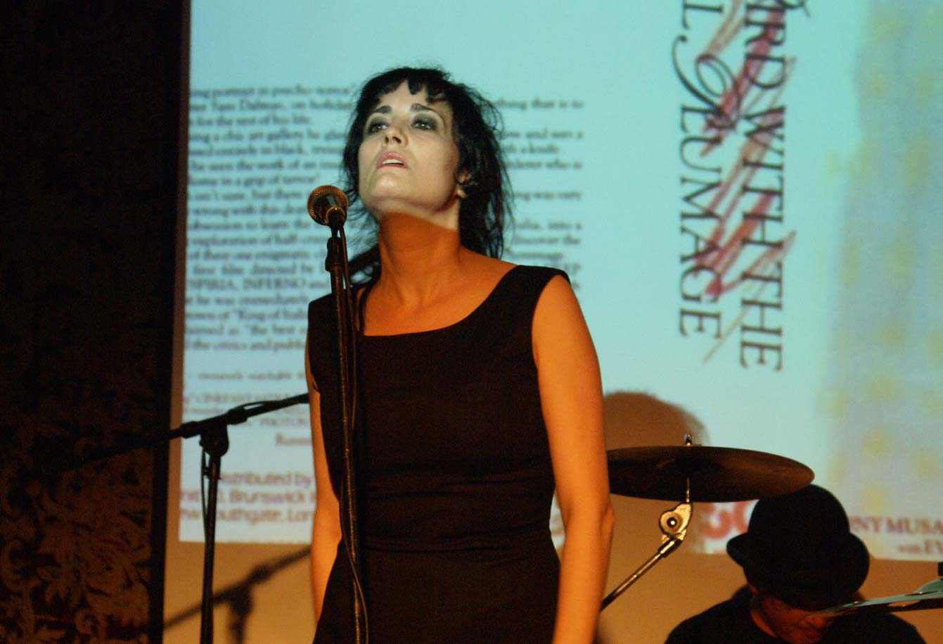 Coralina Cataldi-Tassoni performing with with Orco Muto  (6).jpg