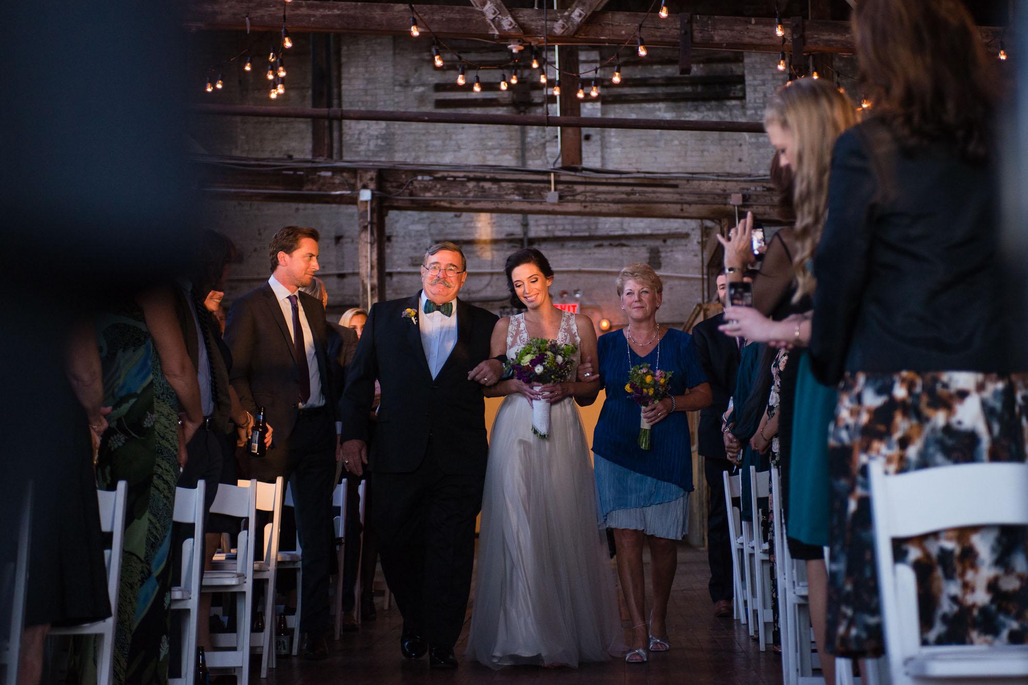 _D800594greenpoint-lofts-brooklyn-wedding-034.jpg