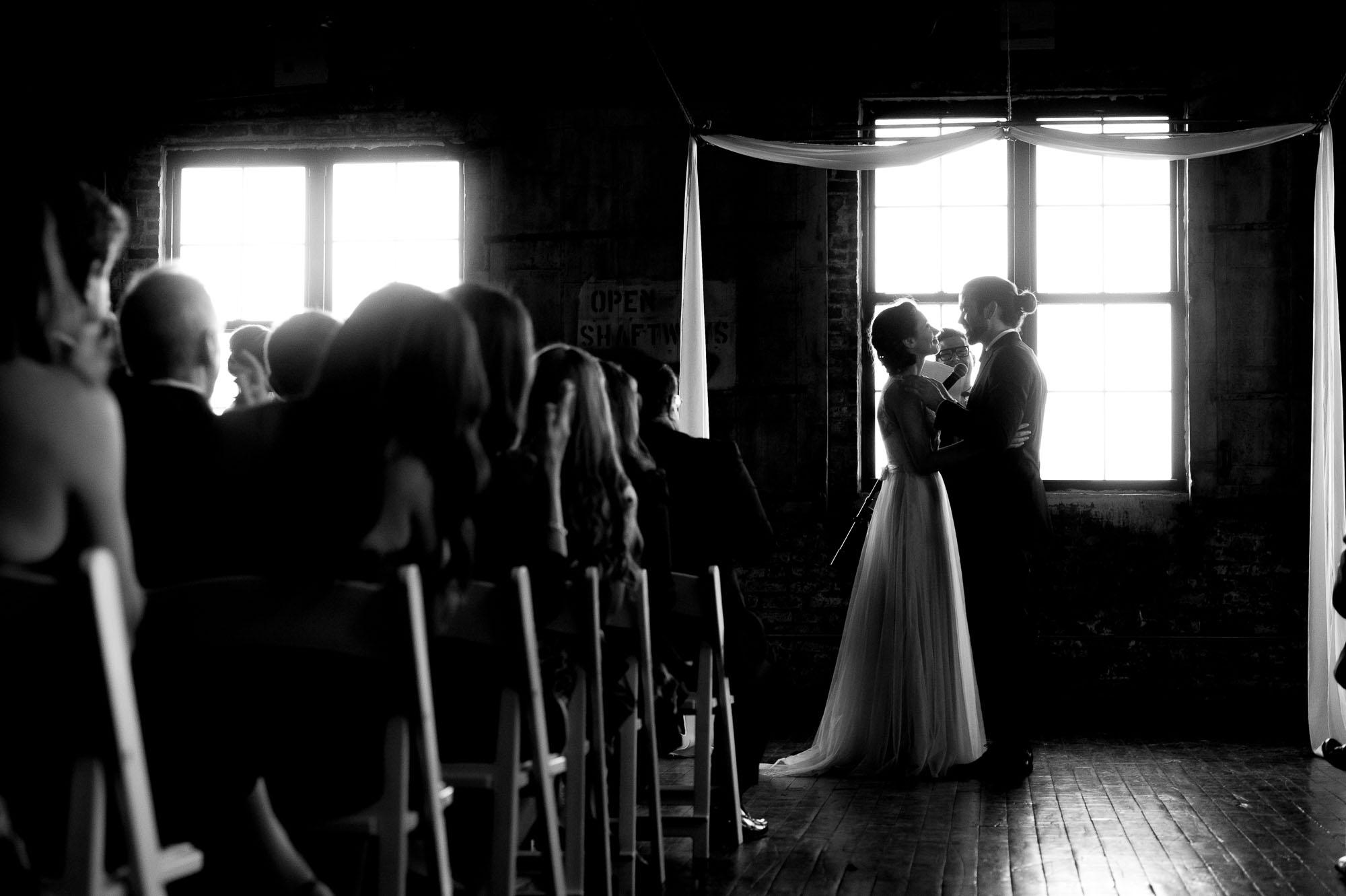 D7L_0225greenpoint-lofts-brooklyn-wedding-040.jpg