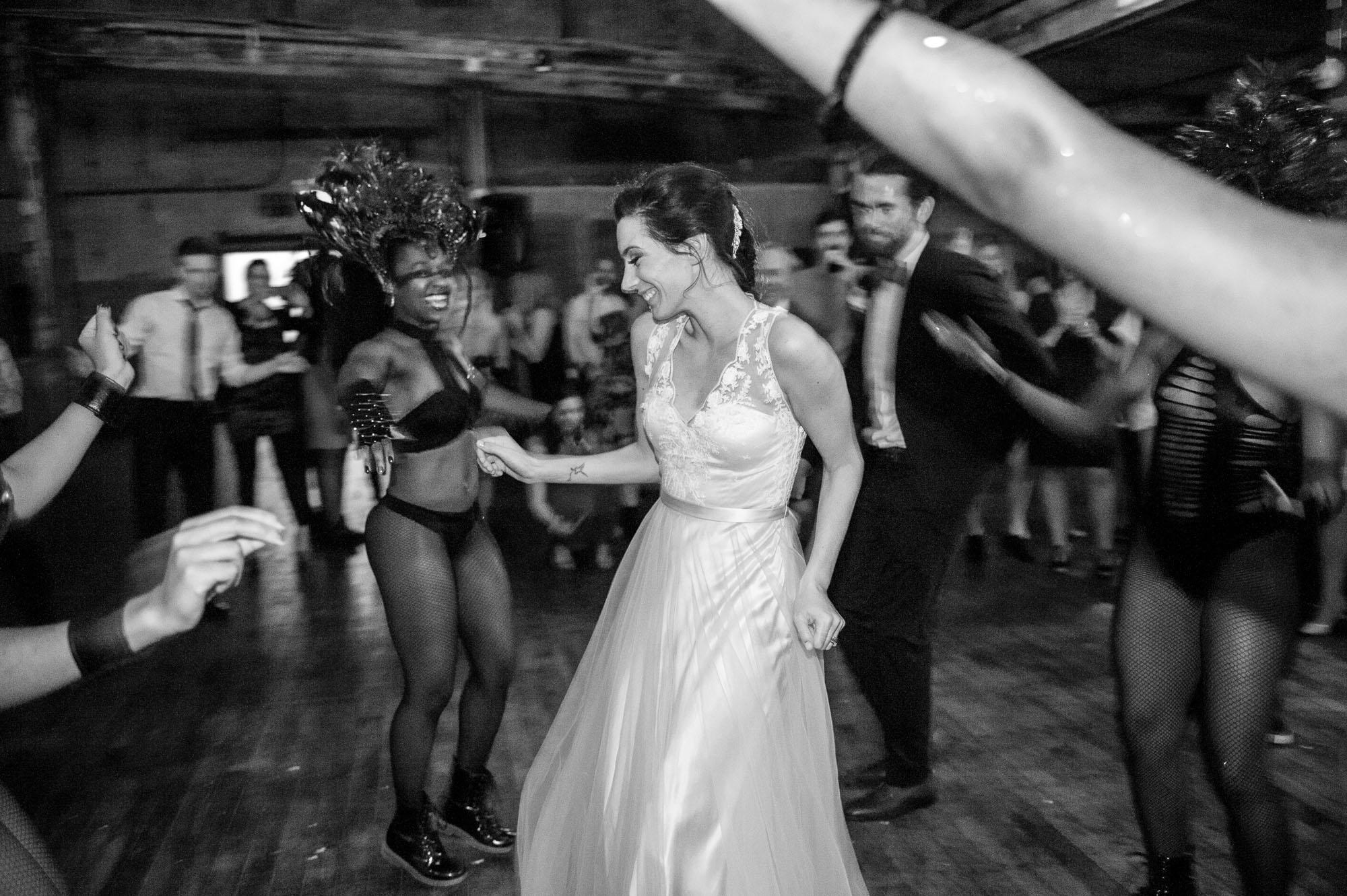 DSC_9406greenpoint-lofts-brooklyn-wedding-066.jpg