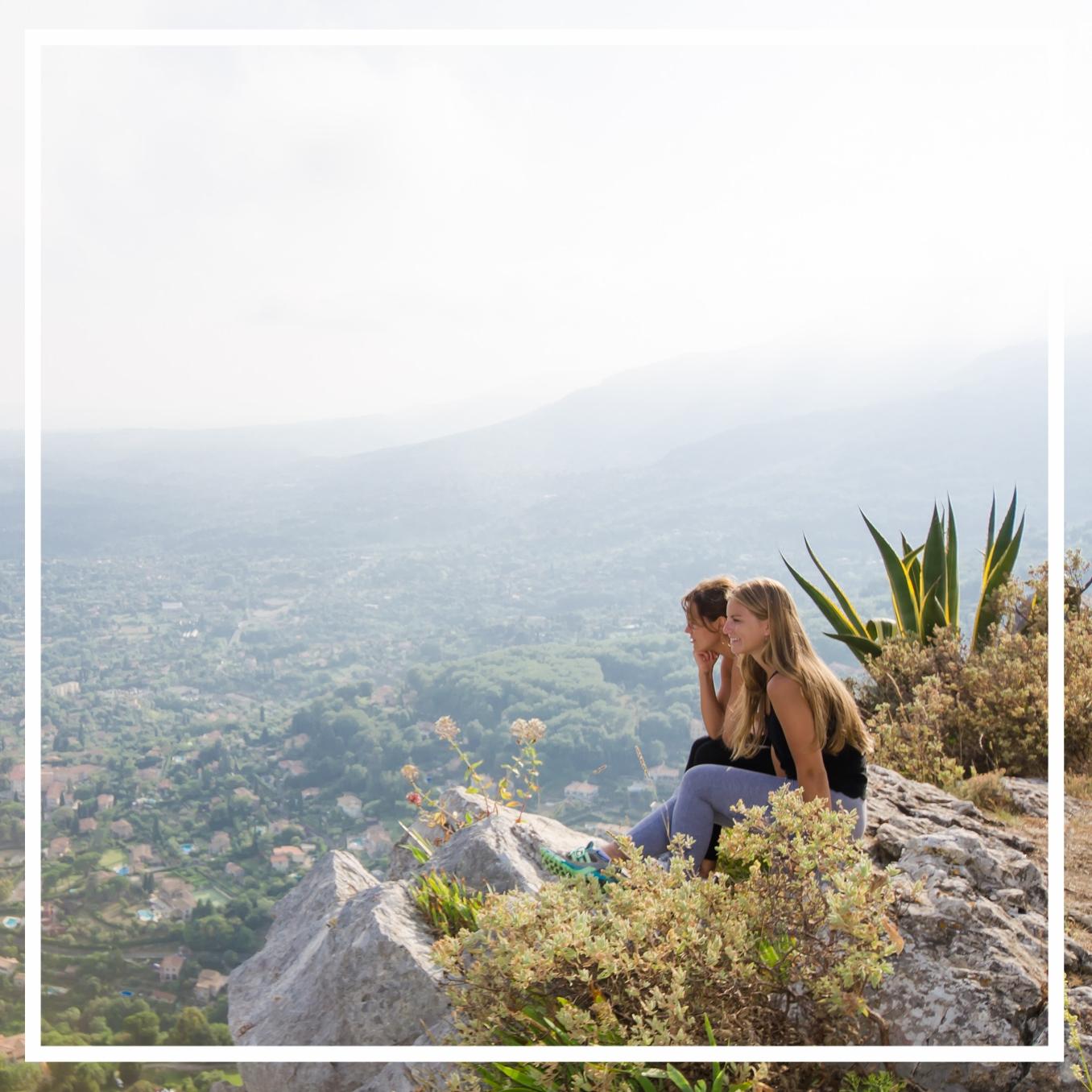 yoga-retreat-france-hike.jpg
