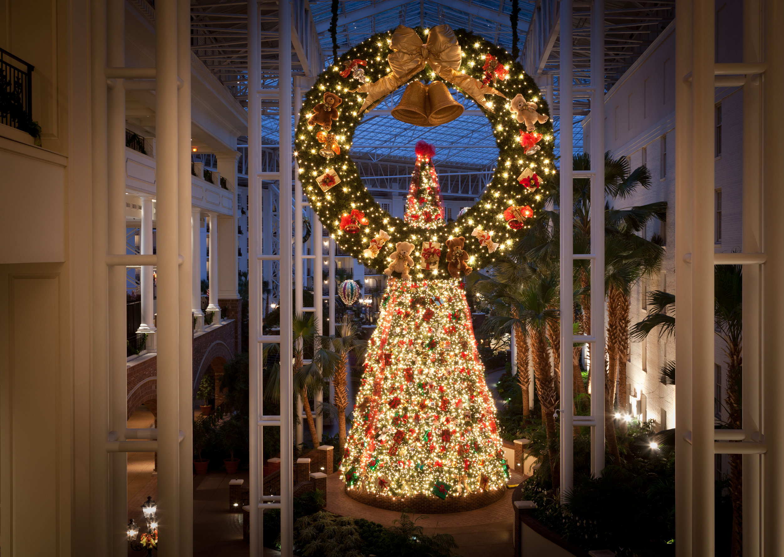 Photo Courtesy of the Gaylord Opryland Hotel