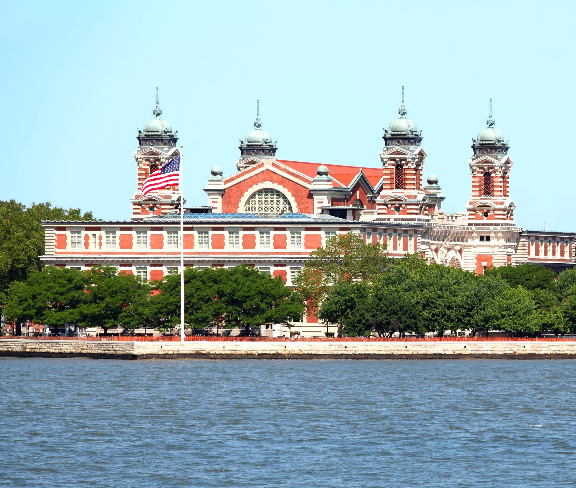 Tour Ellis Island