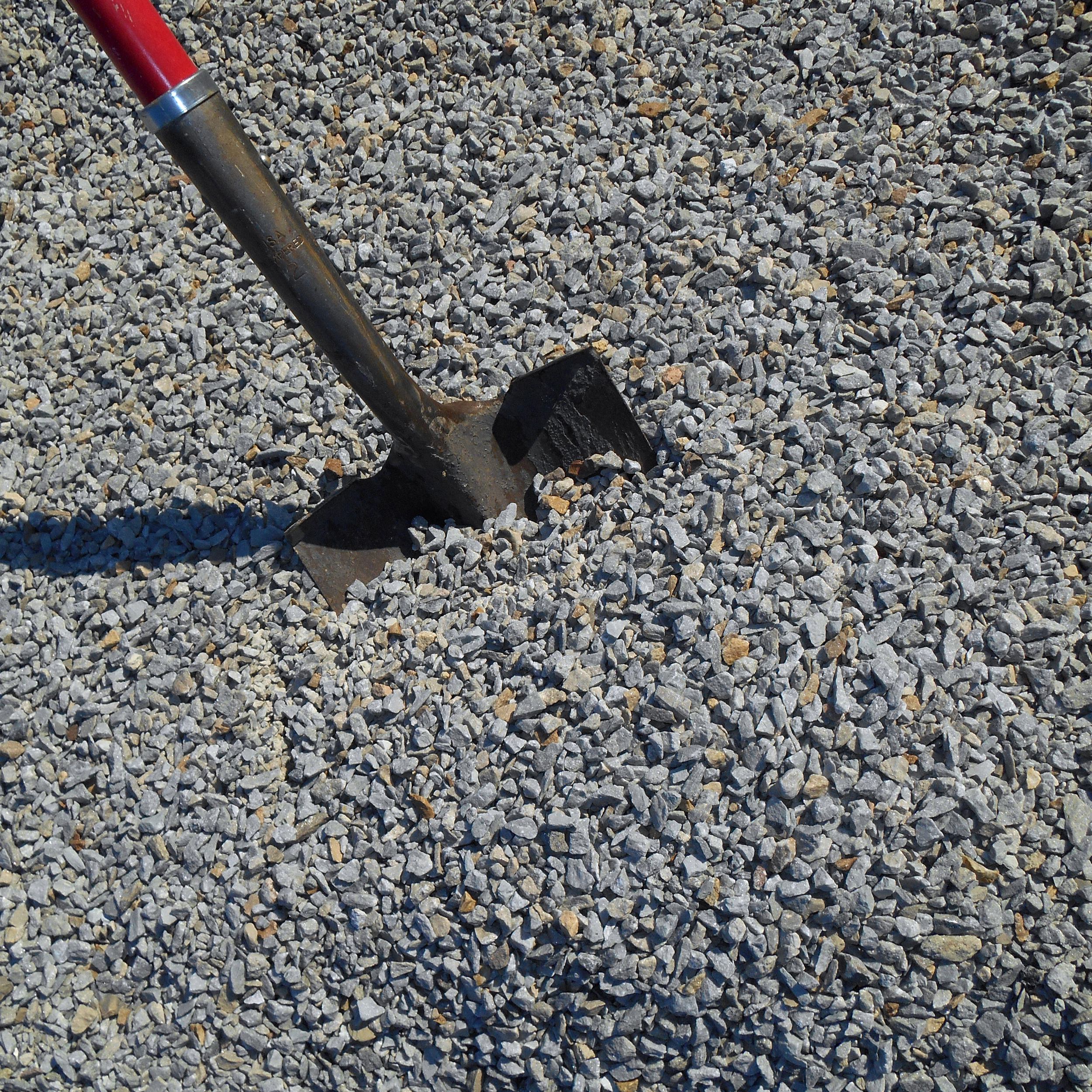 "#8L - Limestone White, 3/8"" - 3/32"" (Drainage Topping)"