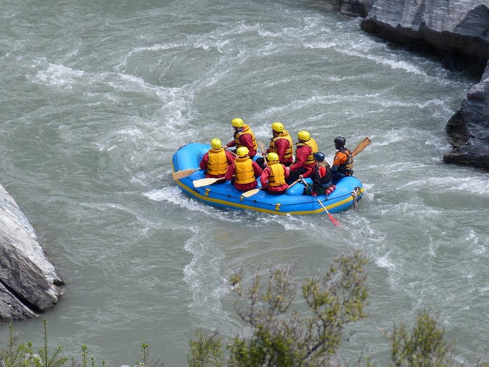 rafting-215691_960_720.jpg