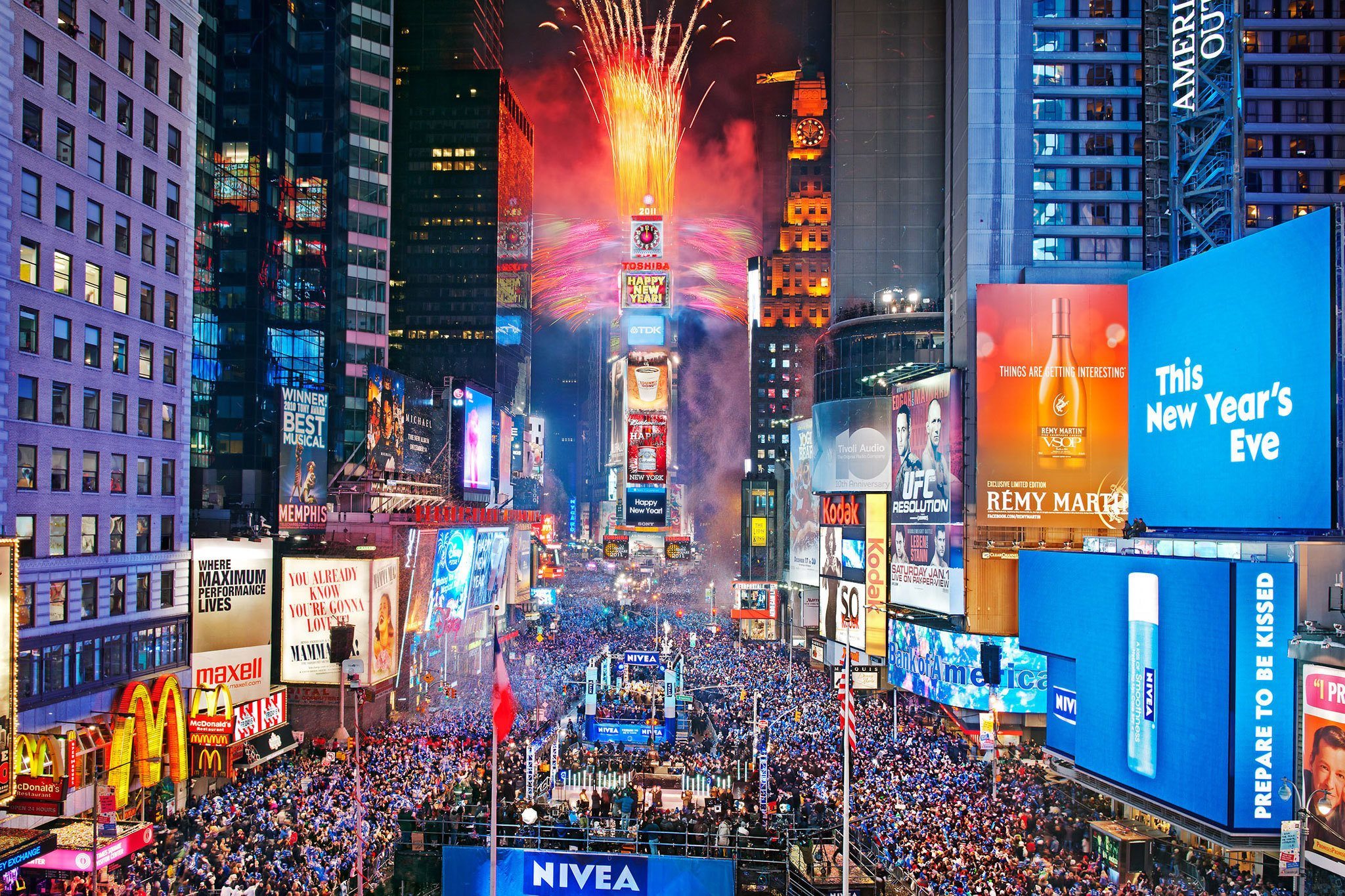 times-square-ball-drop_2_MetroUS.jpg
