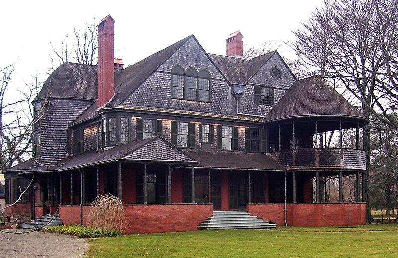 Isaac_Bell_House,_Newport,_RI.jpg