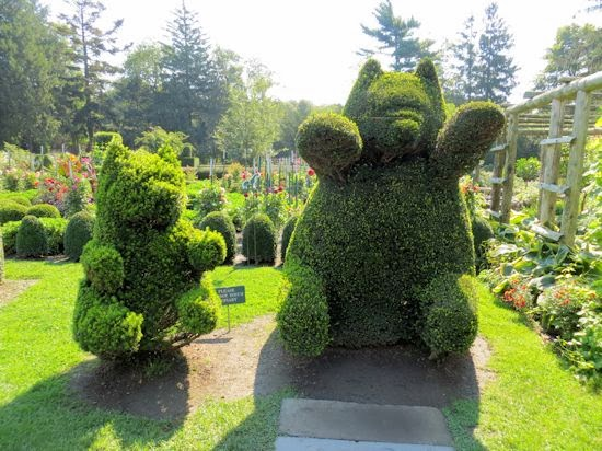 Green Animal Topiary Garden 7.jpg