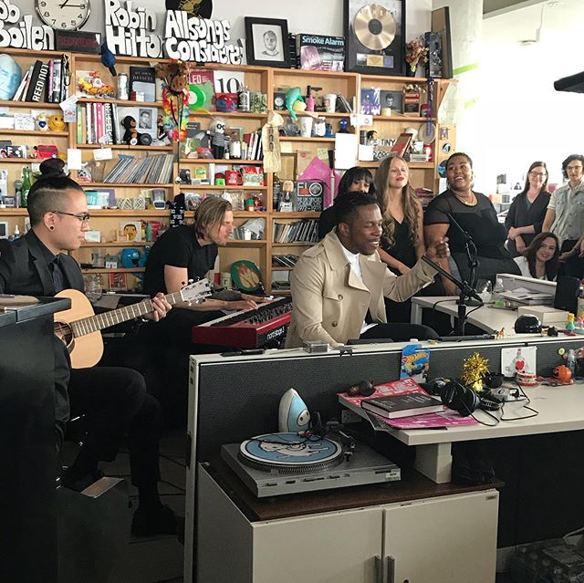 I don't always post pictures from the #TinyDesk, when I do I post a legend. @leslieodomjr stopped by, and brought a Hummingbird! #Hummingbird #Seriously #LawAndOrderSVU #Hamilton #AaronBurr #AaronBurrSir . . . . Can I get a 'Bum. bu-buh bu-bum. Bum Bum 🎻'