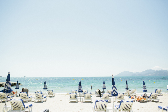 Teal-Beaches-of-St-Tropez-France-700x466.jpg