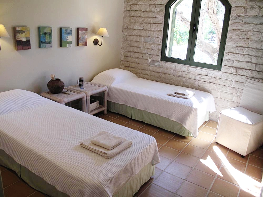 amalia-bedroom-2.jpg