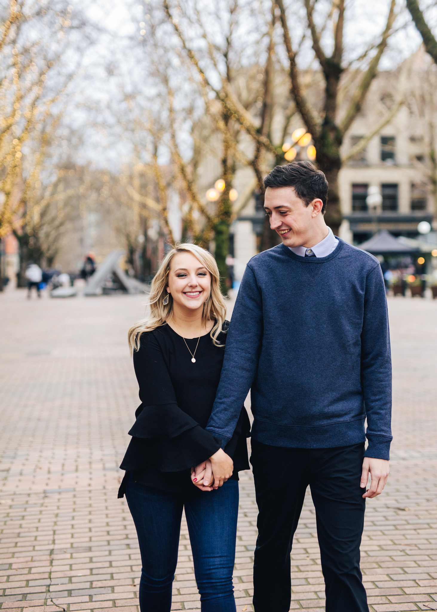 Seattle Pioneer Square Cozy Engagement Photos (2 of 14).jpg