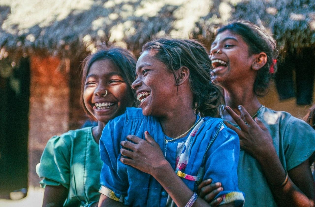 W. Bengali Village Girls Share A Great Laugh