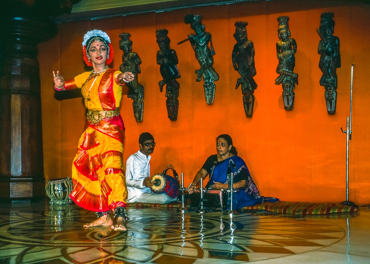 Classical Indian Dancer, Mumbai, India