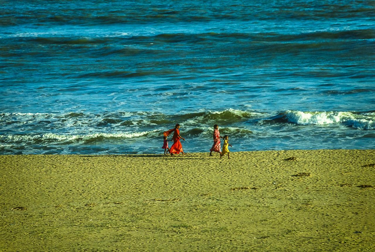 Mothers & Daughters in Saris: Bay of Bengal, Puri, India