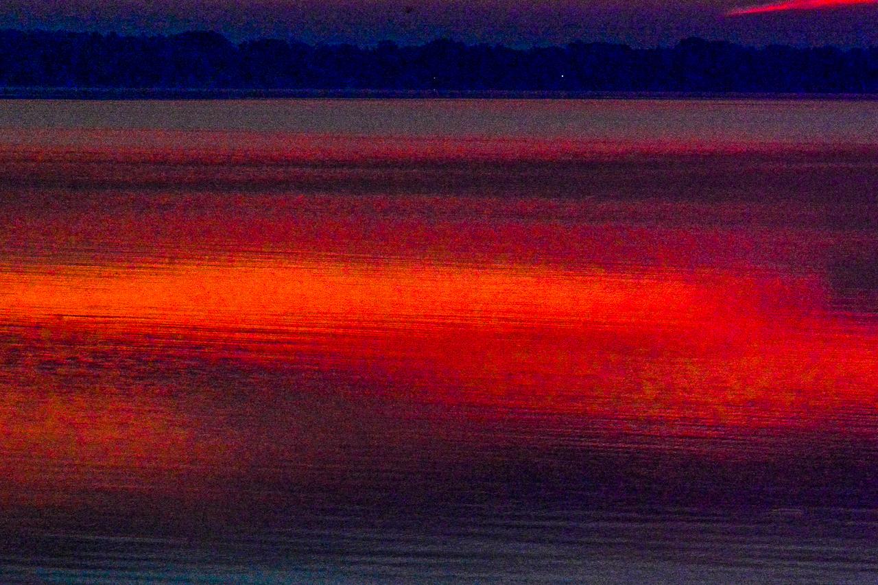 RED SUN GREEN LAKE (2017)