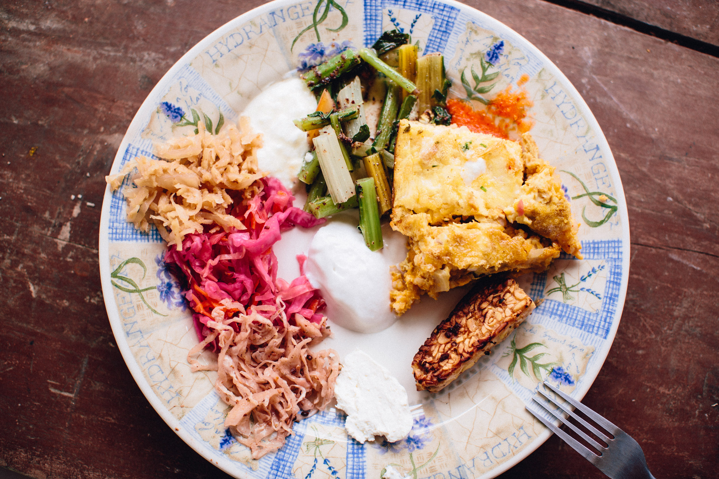 Please notice: 3 kinds of sauerkraut! And two kinds of cultured dairy. Plus tempeh. Just sayin.
