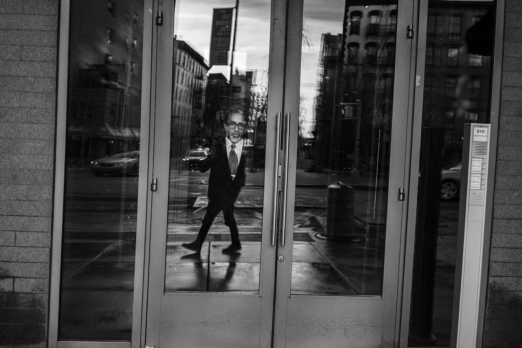 Doorman_Looking_Back_2106.jpg