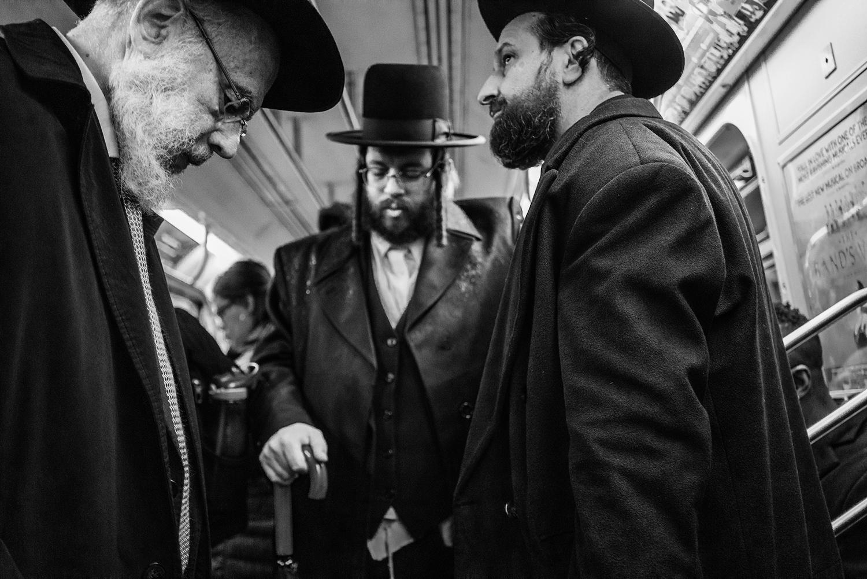 Brklyn_Hesidic_Old_Men_Subway_2018-020.jpg