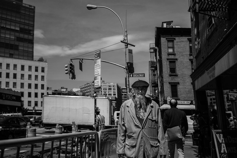NYC_Street_2018_Bearded_Baret_Man-003.jpg