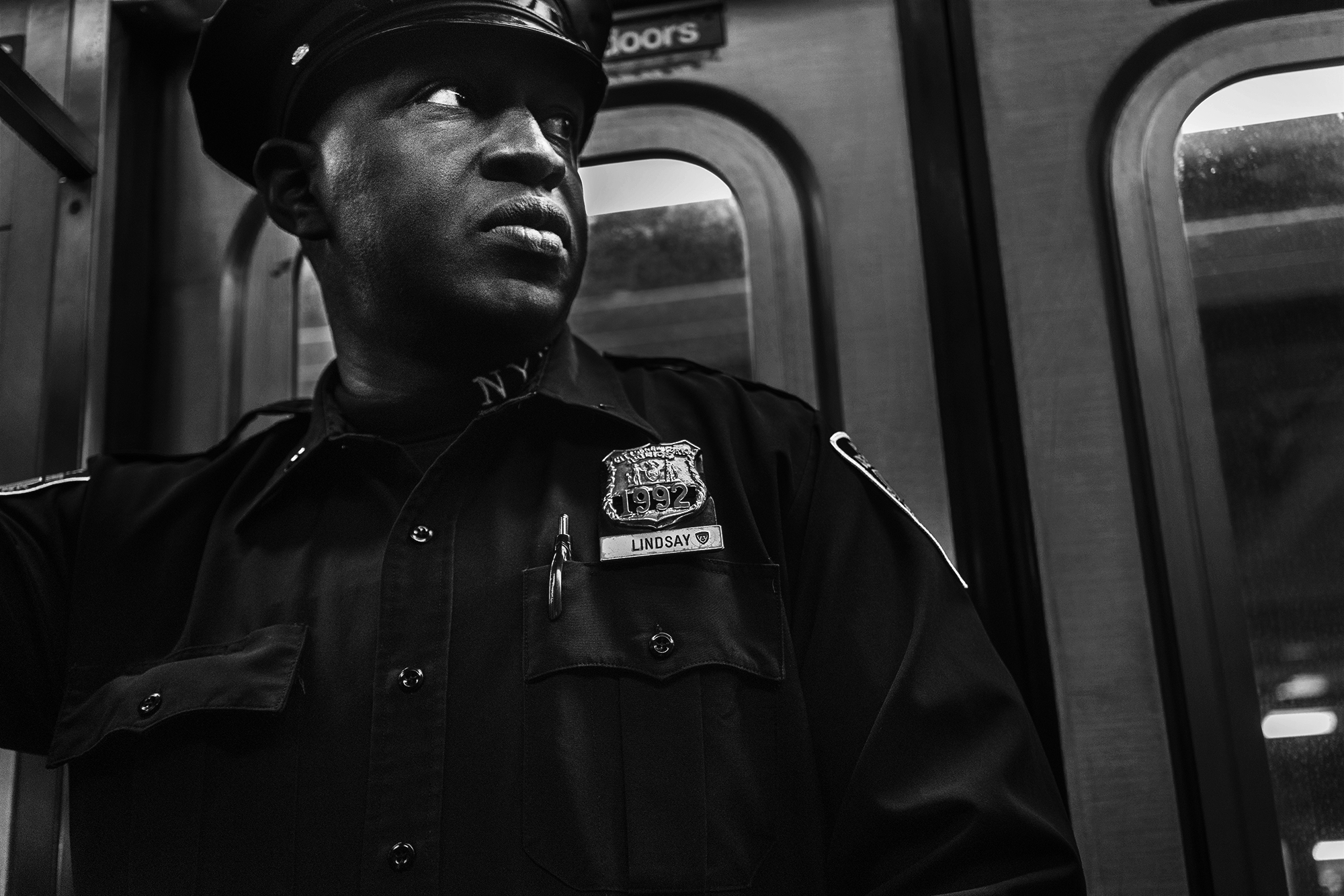 Brklyn_Subway_2018_Police_Officer_Lindsey_-002.jpg