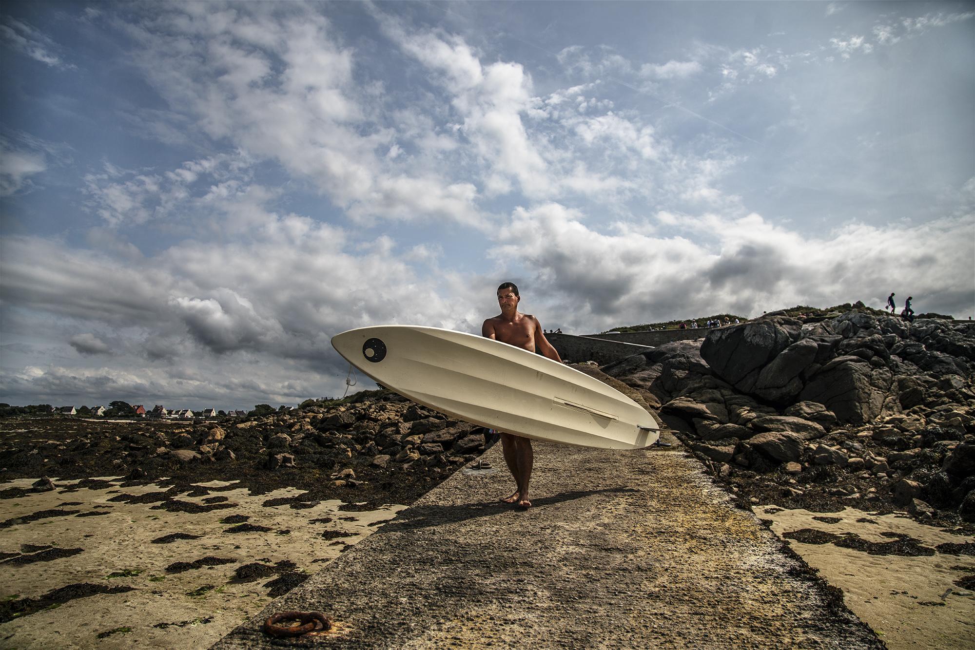 Brittany_2017_Surfboard_Man-005color.jpg