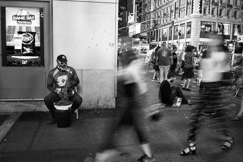 NYC_Timesquare_Street_Musician_2016-015.jpg
