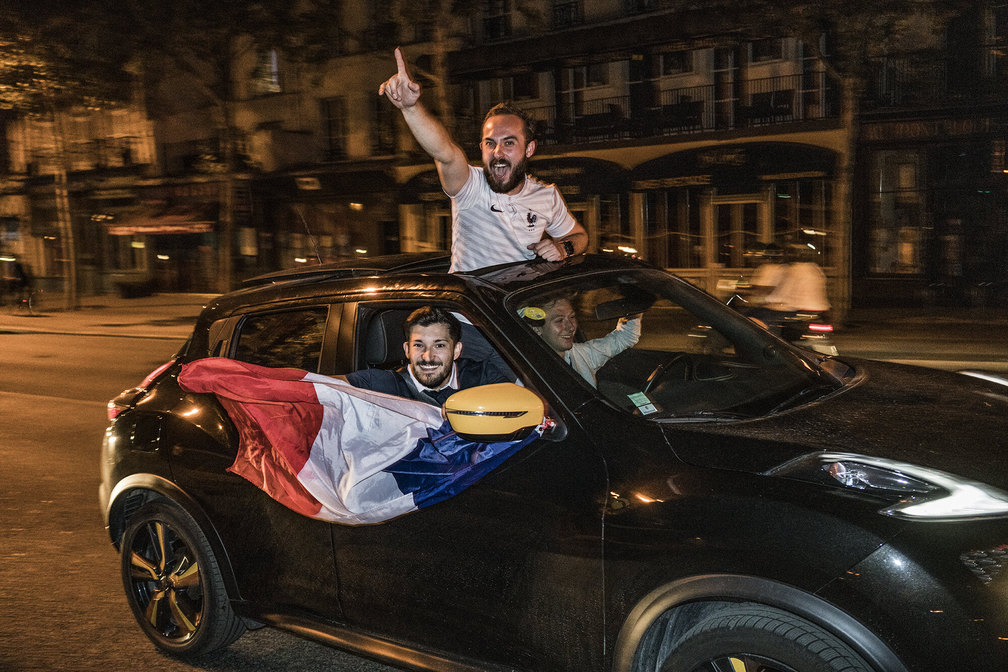 Paris_Street_2018_In_Car_Celebration-008.jpg