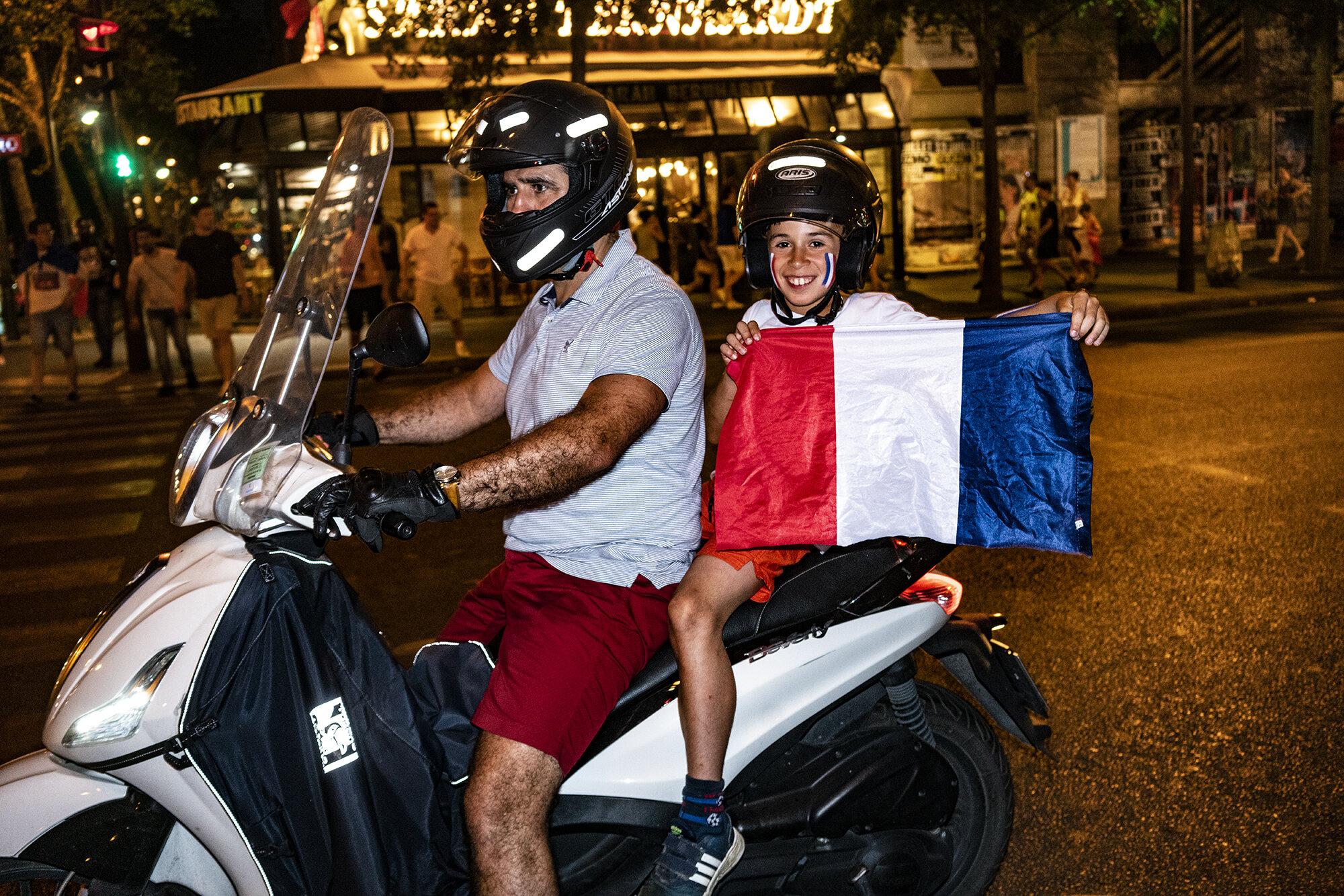 Paris_Street_2018_In_Car_Celebration-052.jpg