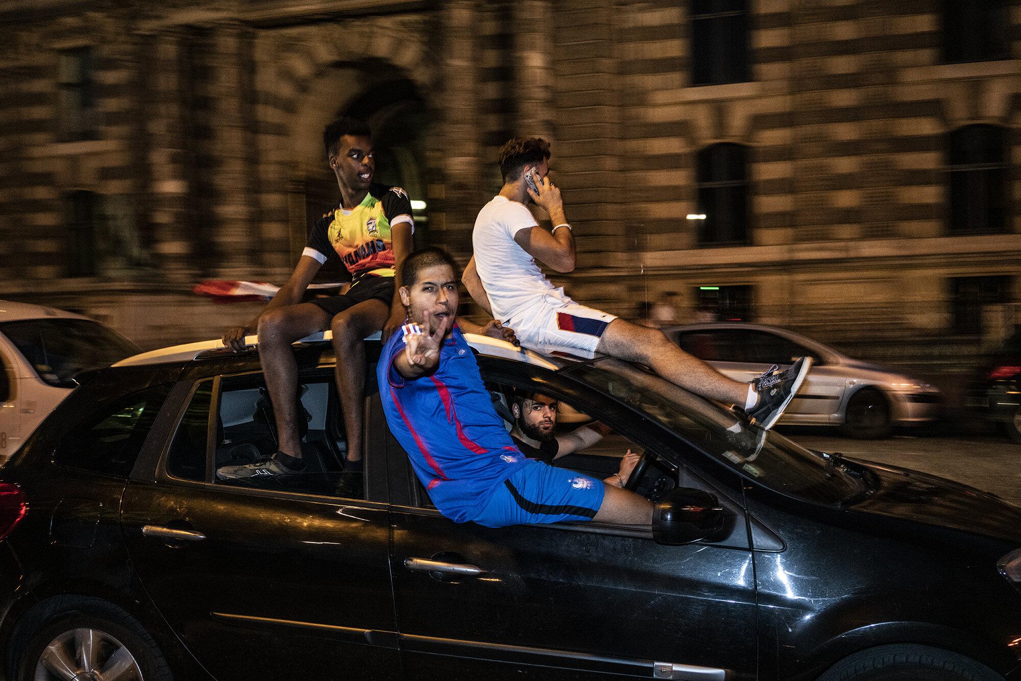 Paris_Street_2018_In_Car_Celebration-066.jpg