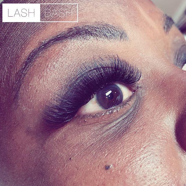 Lash Style: Volume Refill•Lash Artist: Inna ⭐️How to Book:⭐️ 📱267-603-4251 (Call) 📲267-214-2416 (Text2Book) 💻Go.booker.com/lashbash (Link in Bio)